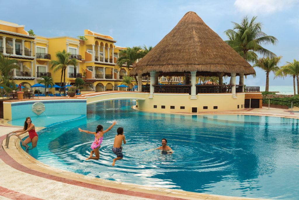 Gran-Porto-Playa-Del-Carmen-Main-Pool