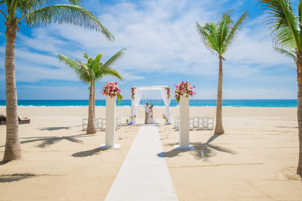 Hyatt-Ziva-Los-Cabos-Beach-Wedding
